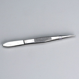 The First Aid Store™ Deluxe Stainless Steel Tweezers - 1 Each